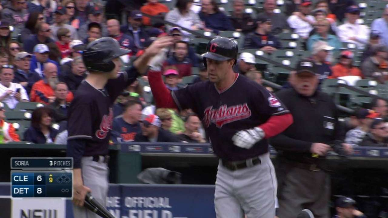 Murphy homers in the 9th