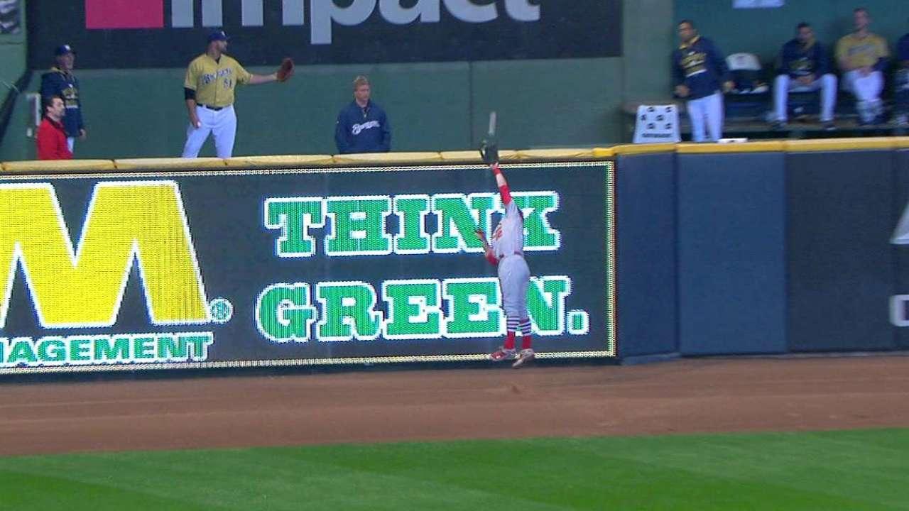Reynolds' wall-crashing catch