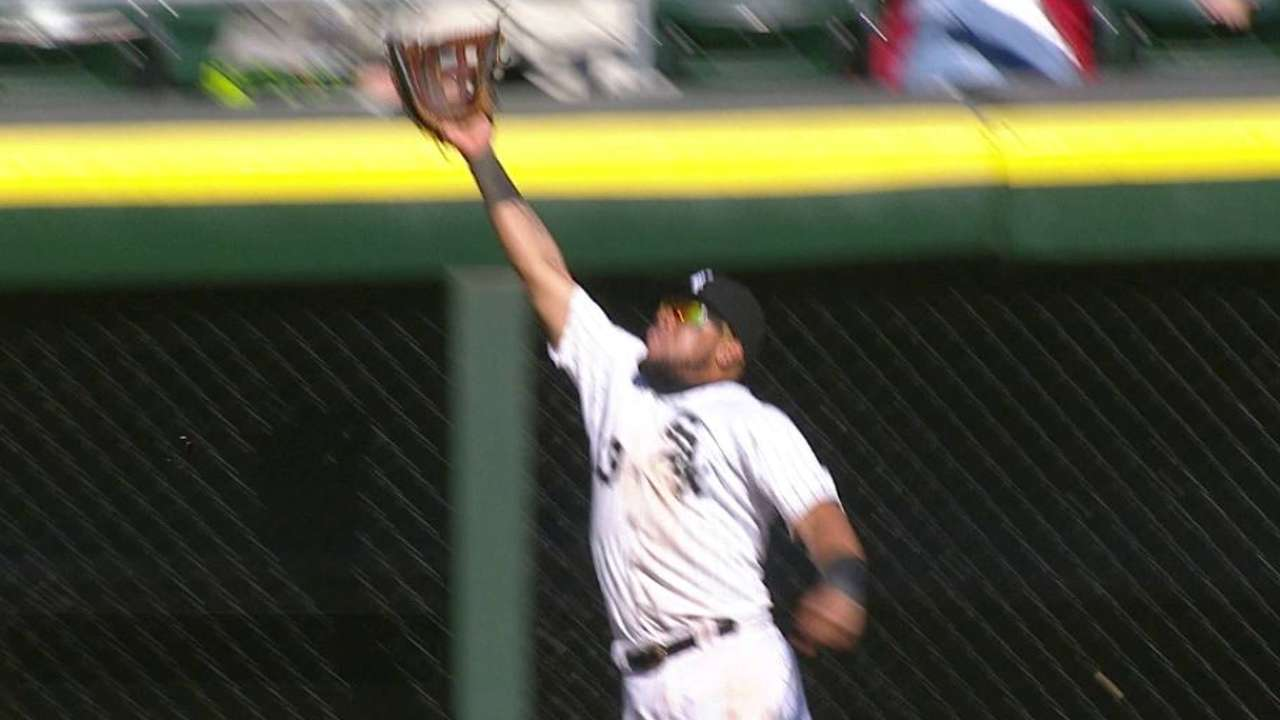 Cabrera's leaping catch