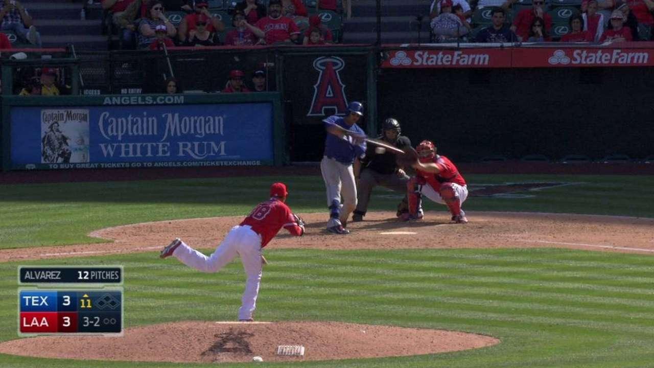 Martin's homer, Feliz's two innings lift Rangers in 11 innings