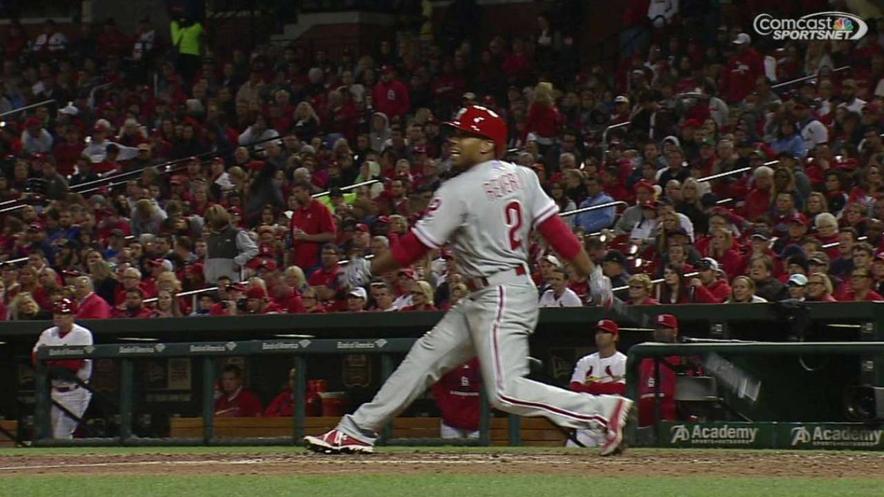 Offense comes through for Hamels in seventh inning