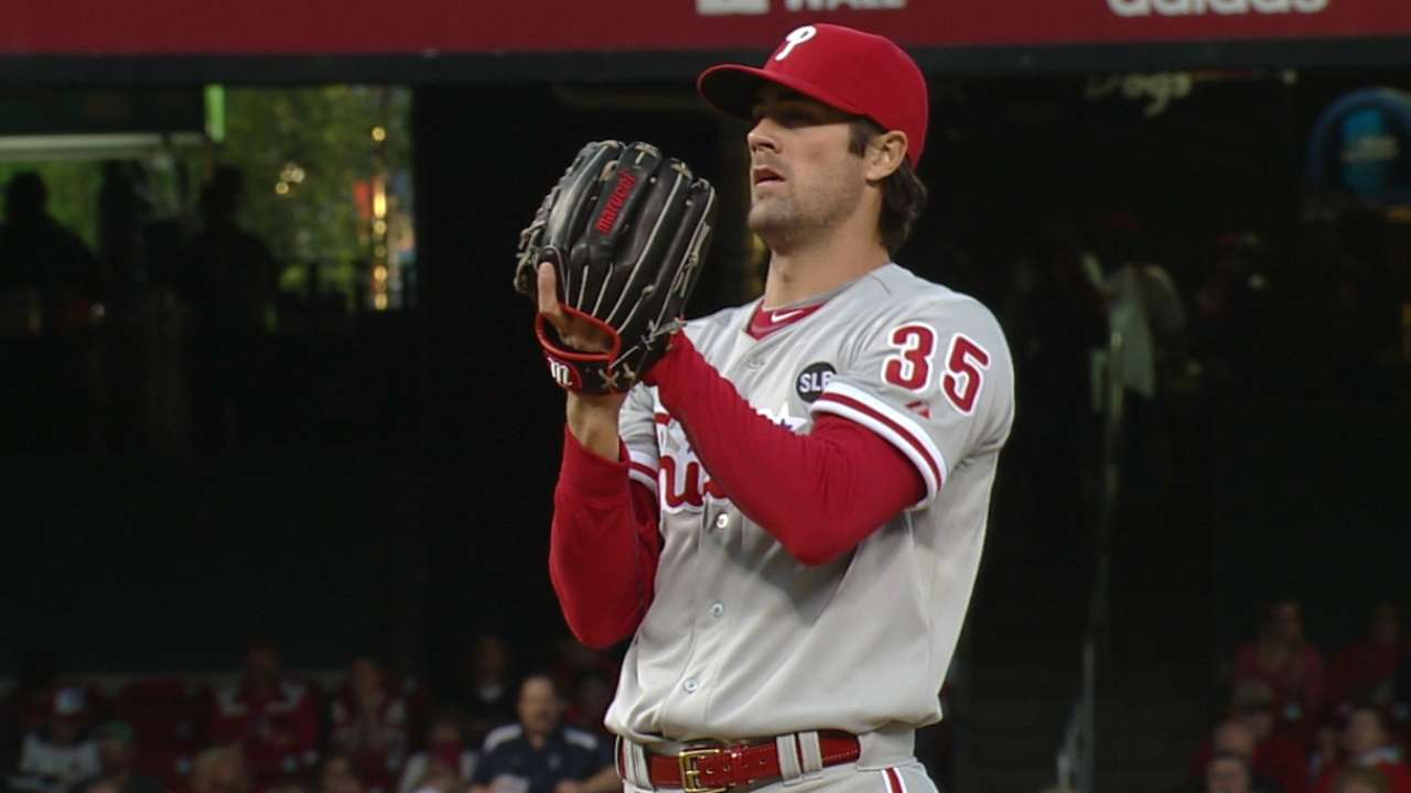 Hamels gets late support as Phillies top Cardinals