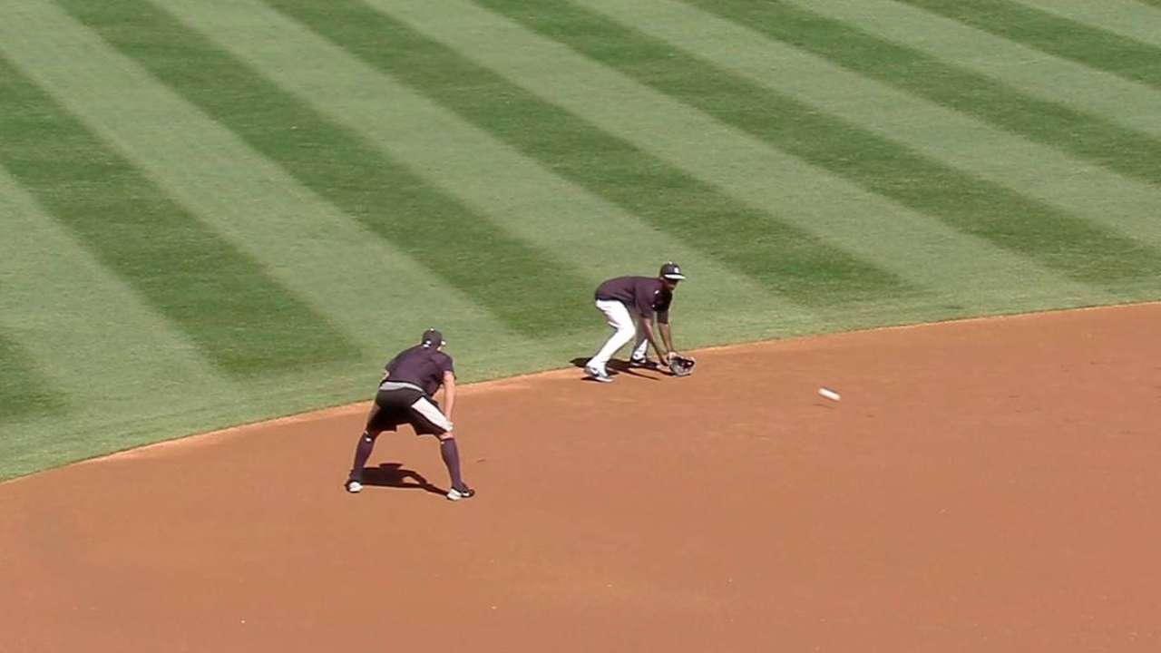 A-Rod tutoring Gregorius on playing shortstop