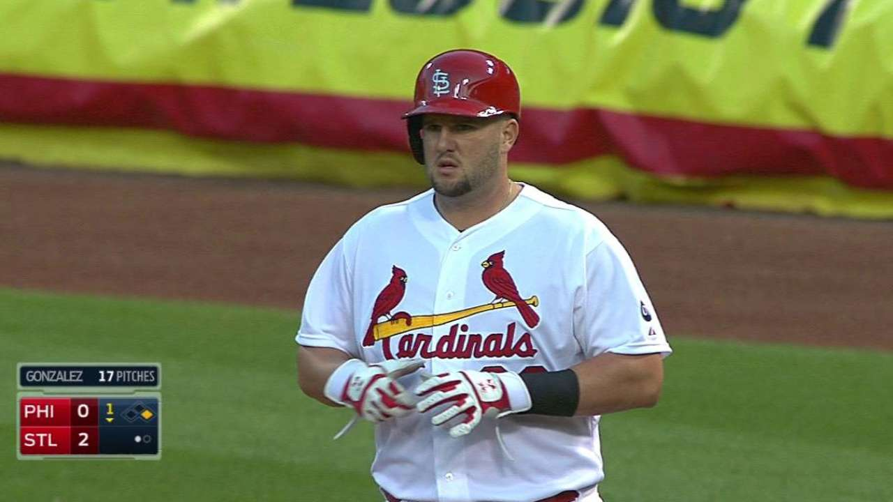 Cardinals break out on offense to top Phillies