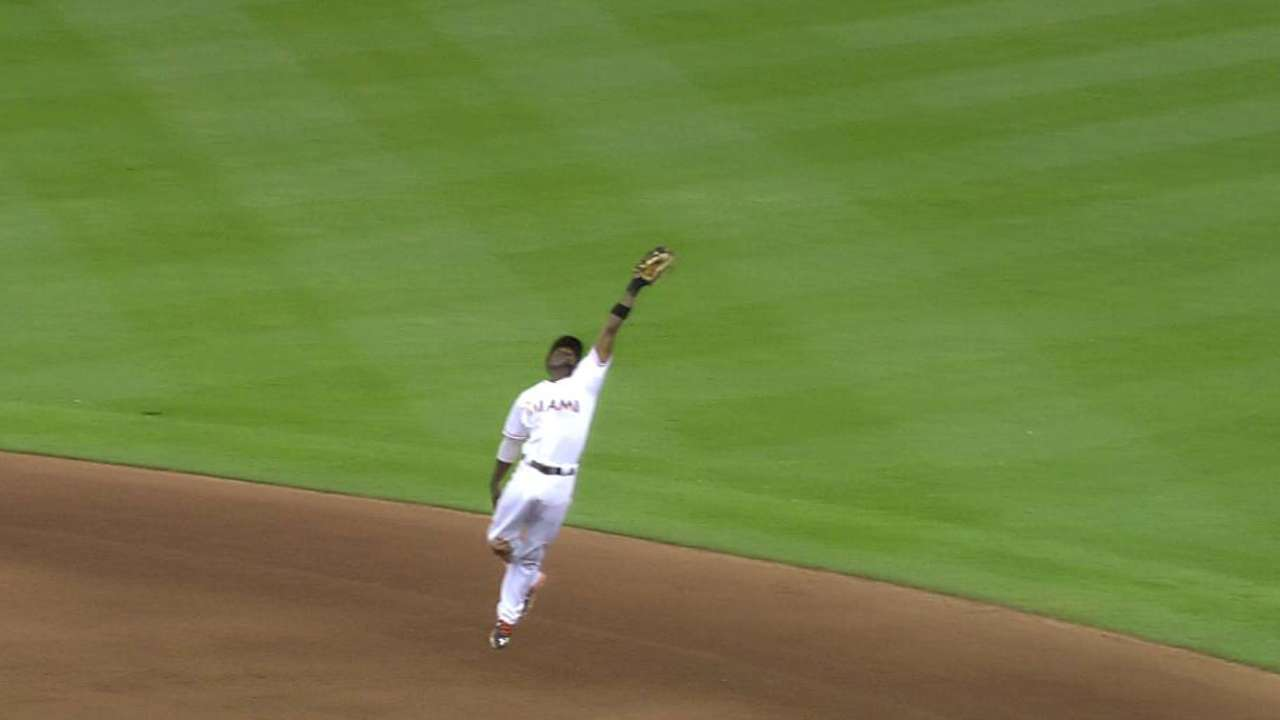 Gordon's leaping grab