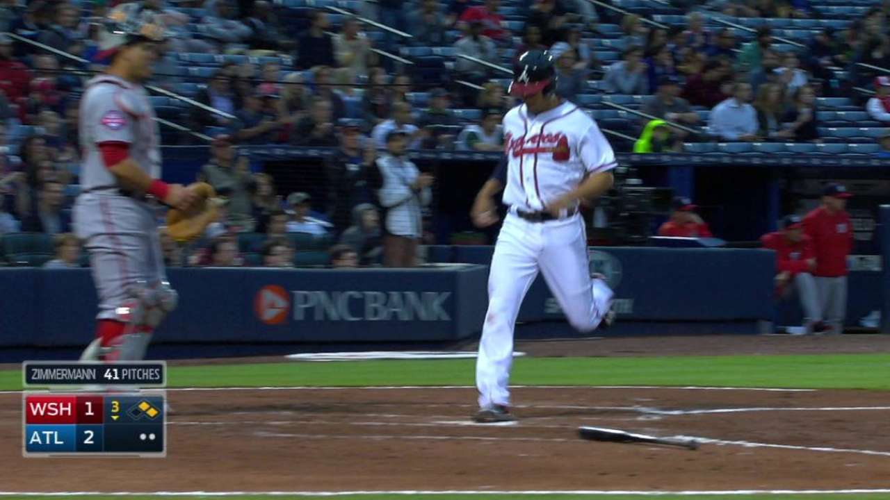 Freeman's red-hot bat a bright spot for Braves