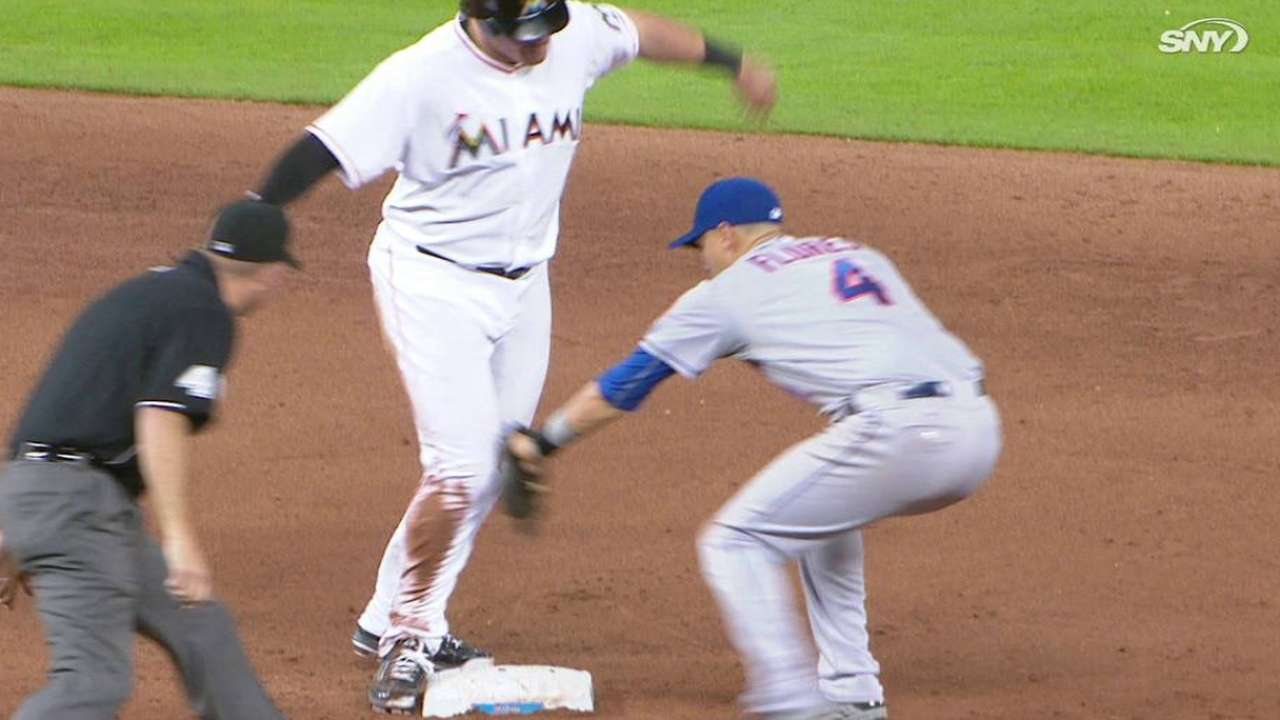 Mets nab Bour at second
