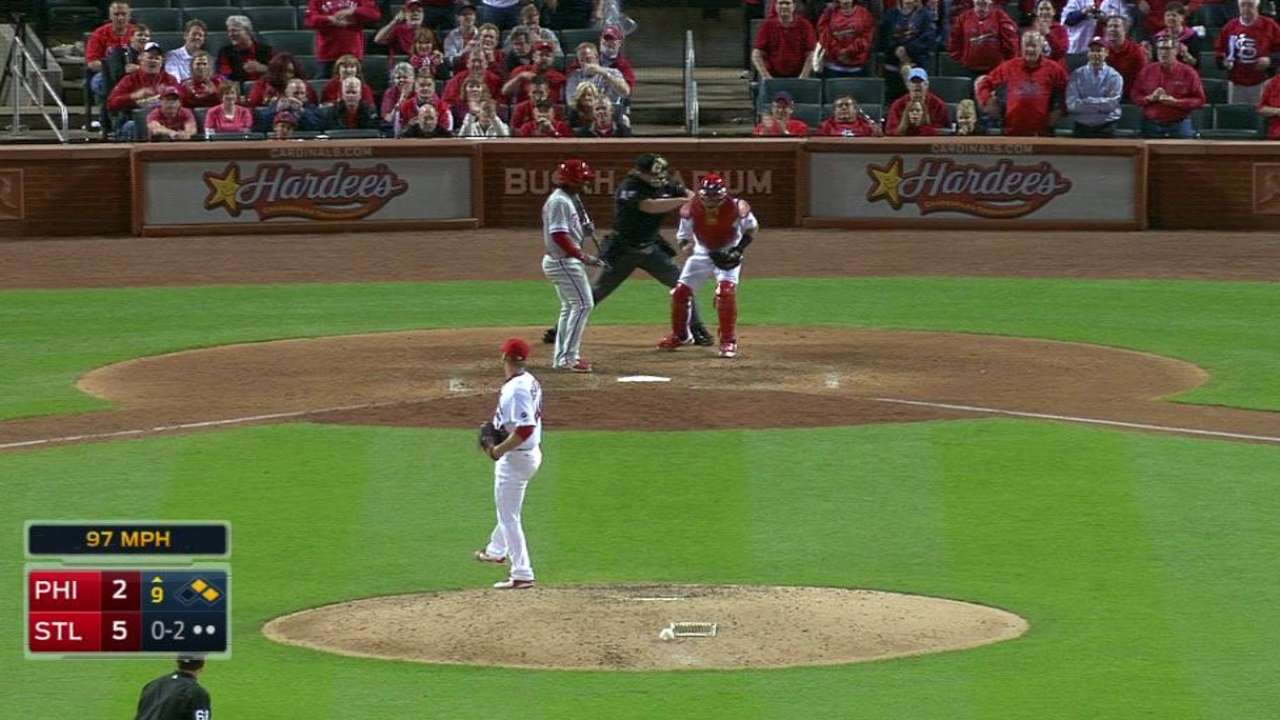 Rosenthal earns the save