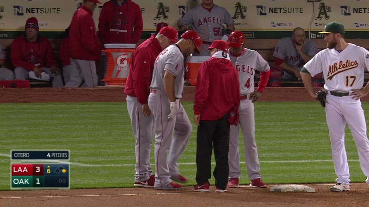 Pujols exits the game early