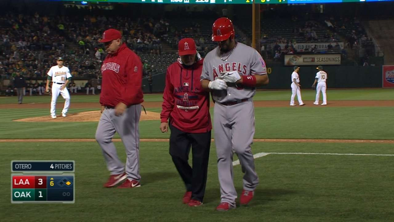Pujols day to day with tight left hamstring