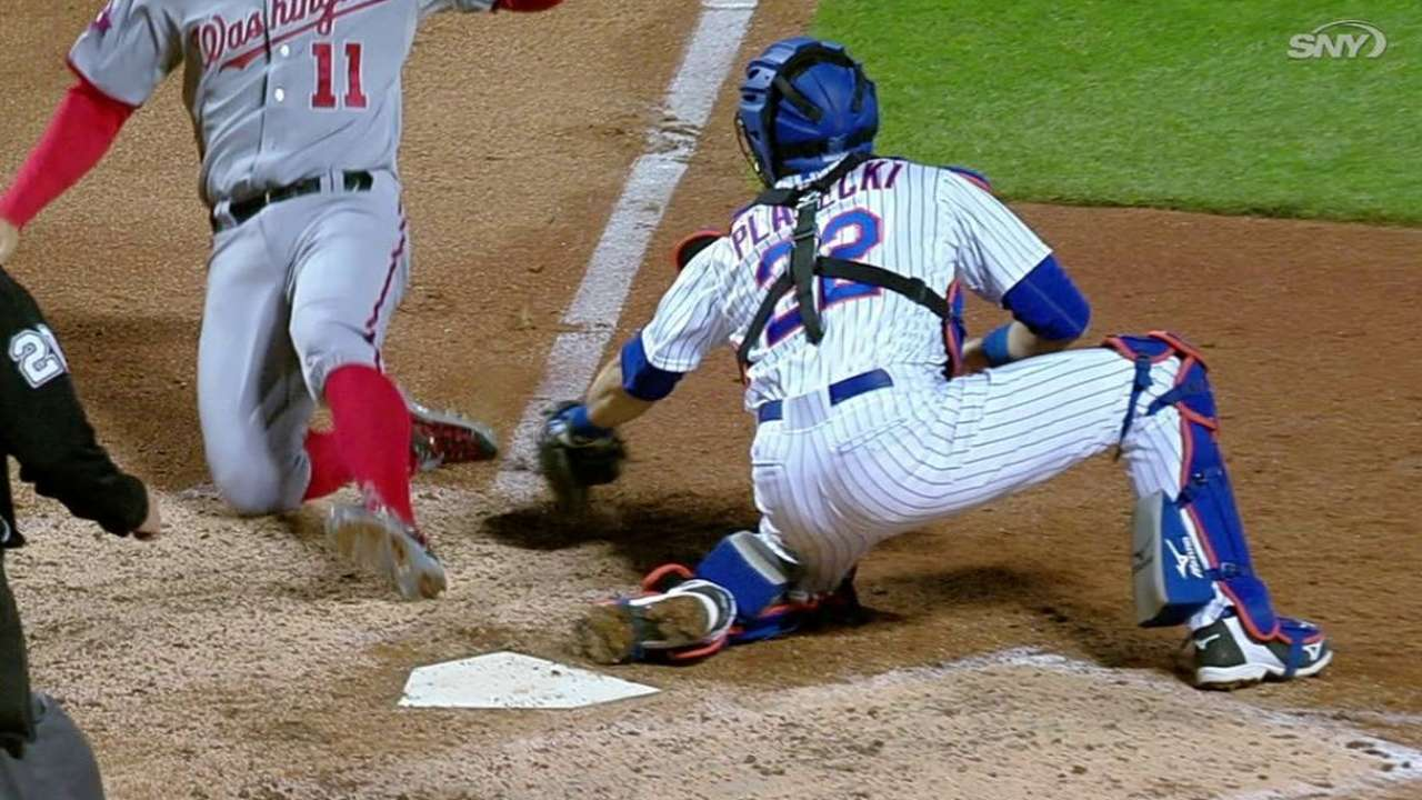 Lagares throws out Zimmerman