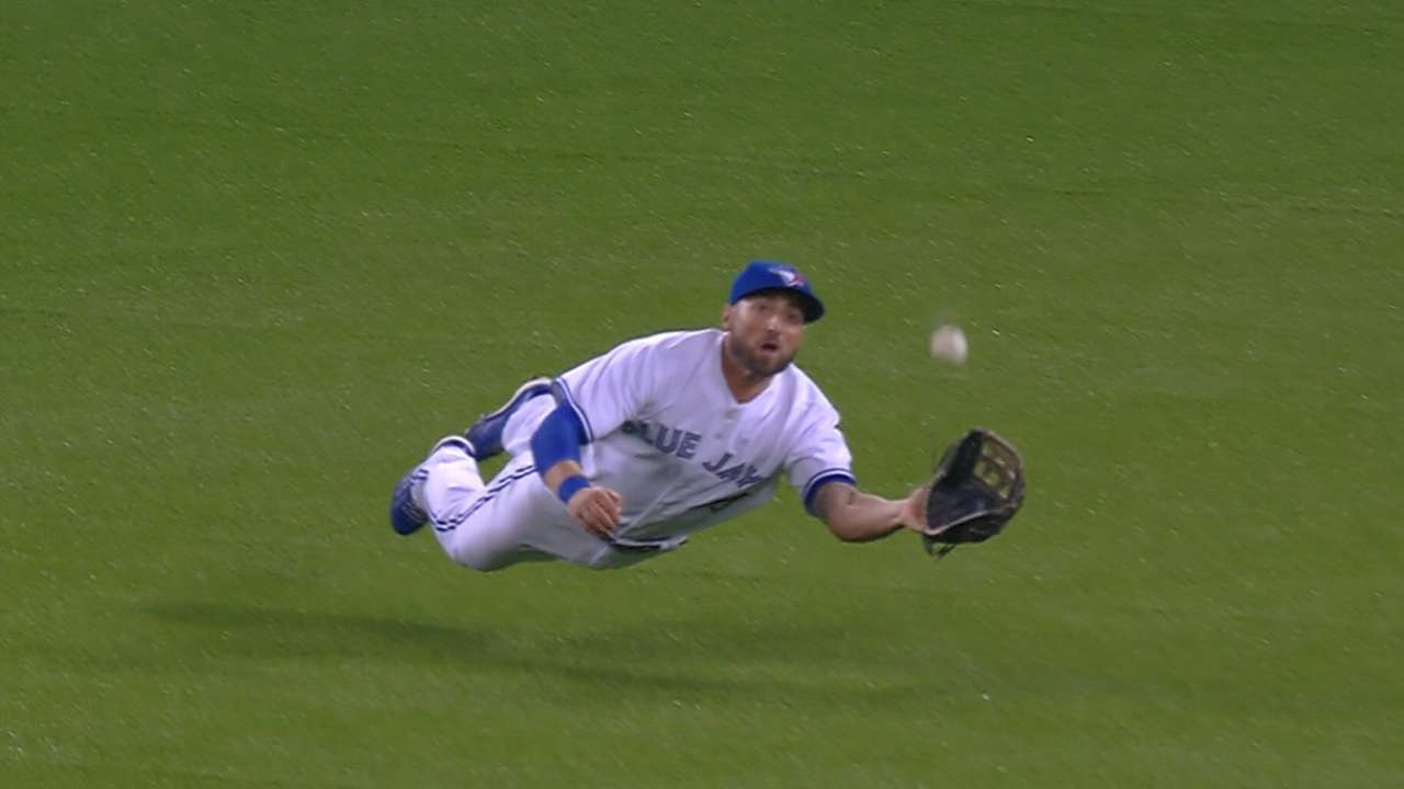 New turf at Rogers Centre playing to mixed reviews