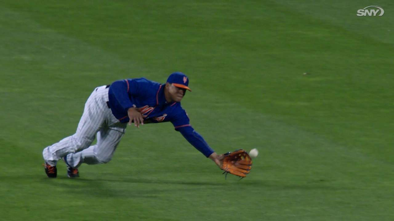 Must C: Lagares' diving grab