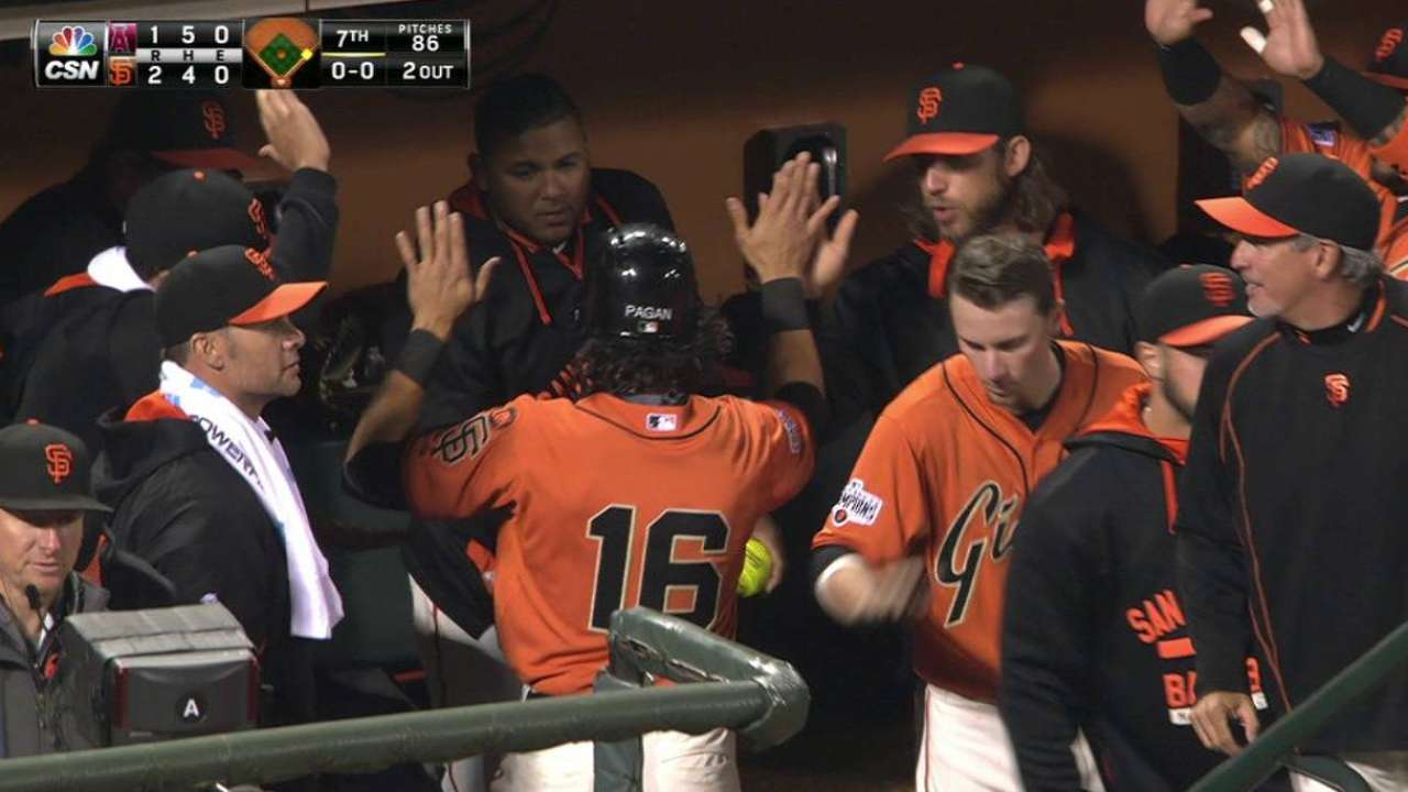 Giants trying to keep backup catchers sharp