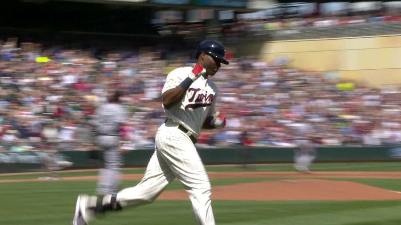 Two homers give Twins win over White Sox