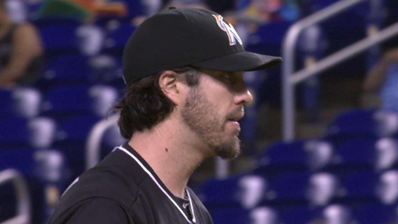 Haren holds steady with lead against Phillies