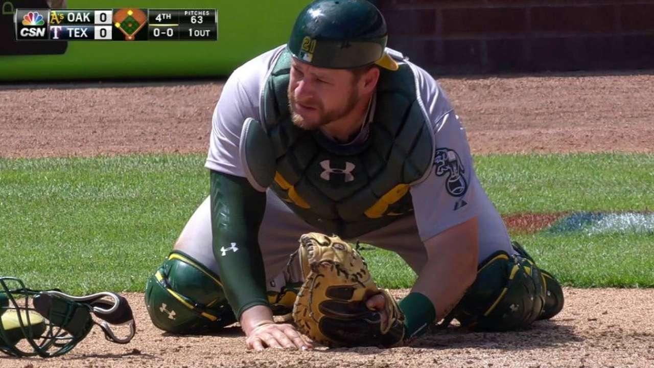 Vogt shaken up, remains in