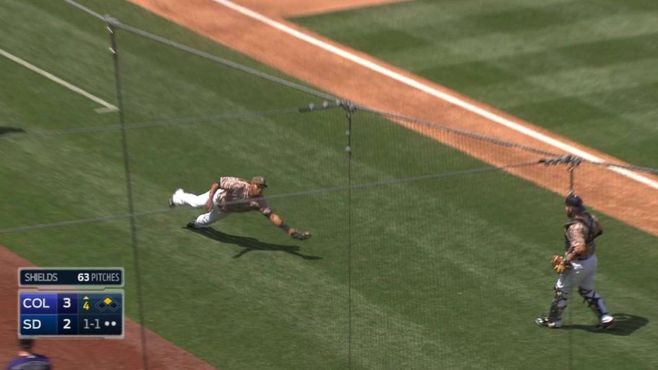 Solarte's great diving catch