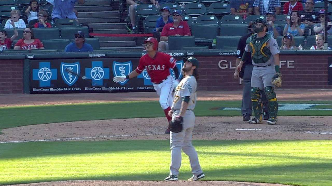 Rangers can't find clutch hit in frustrating loss
