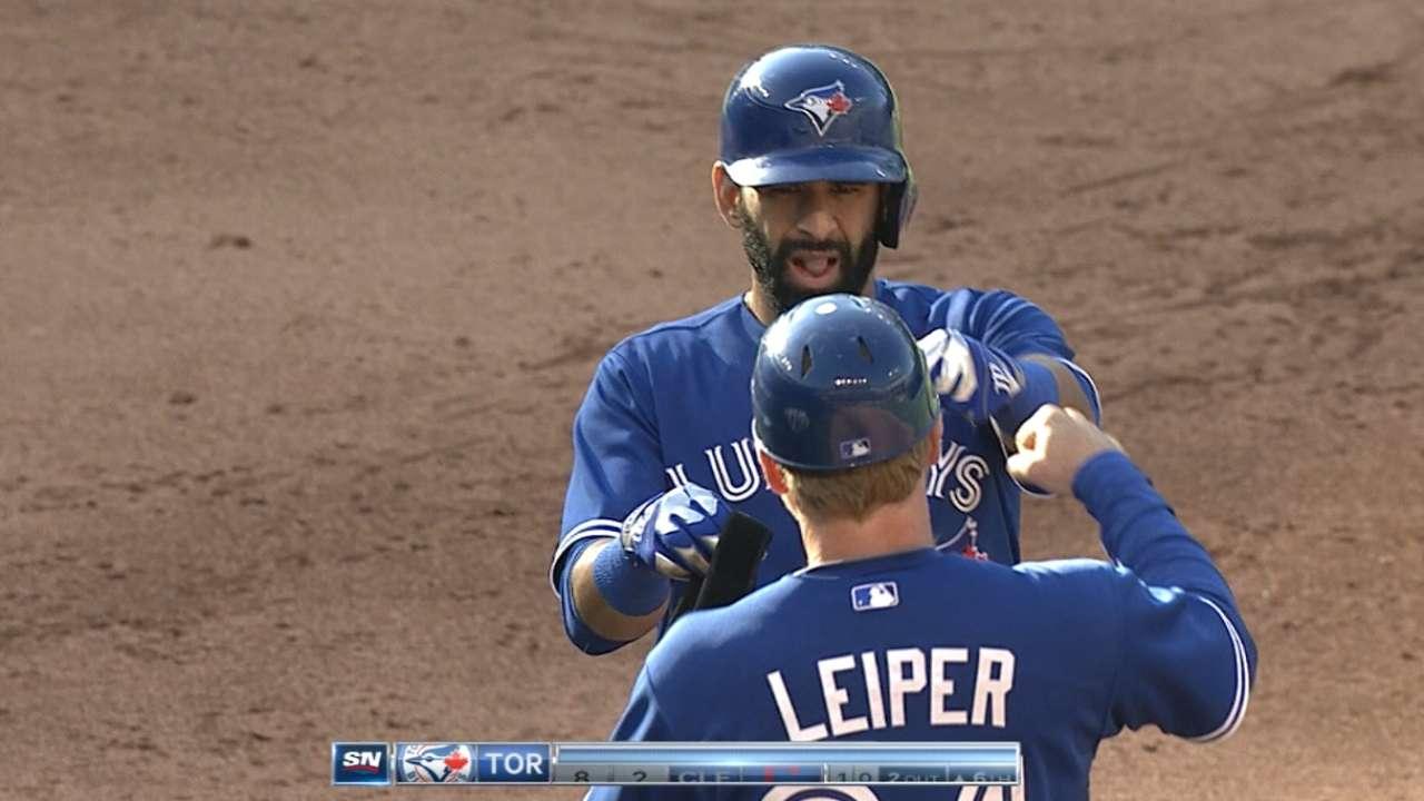 Big sixth inning sends Blue Jays past Indians