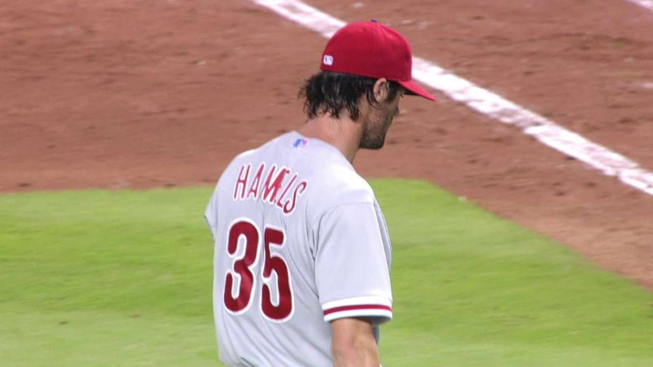 Hamels digs hole vs. Marlins with control issues