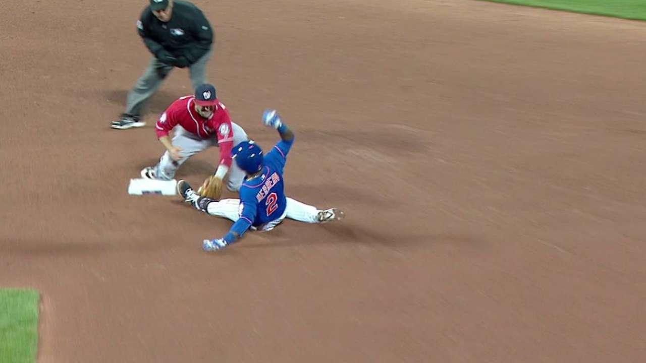 Desmond throws out Herrera