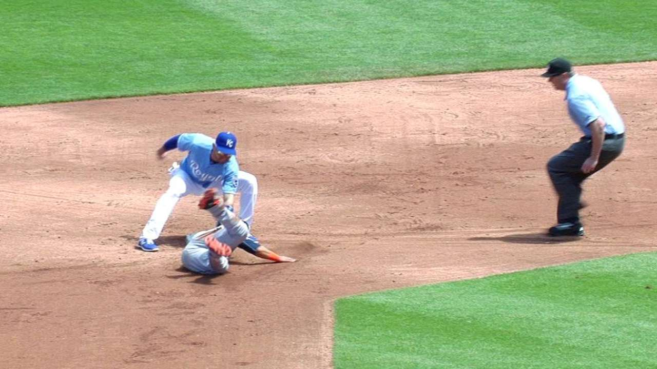 Colon, Royals complete stellar double play