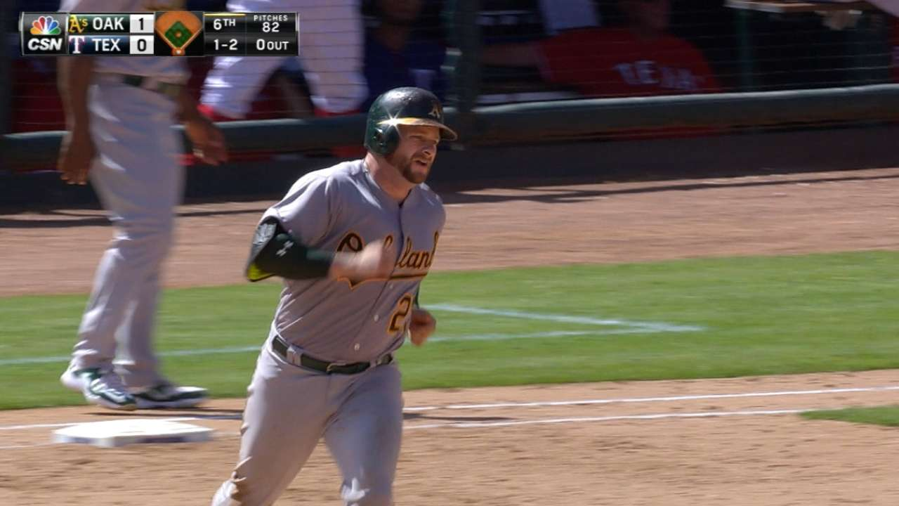 Vogt cranks pair of homers in A's win in Texas