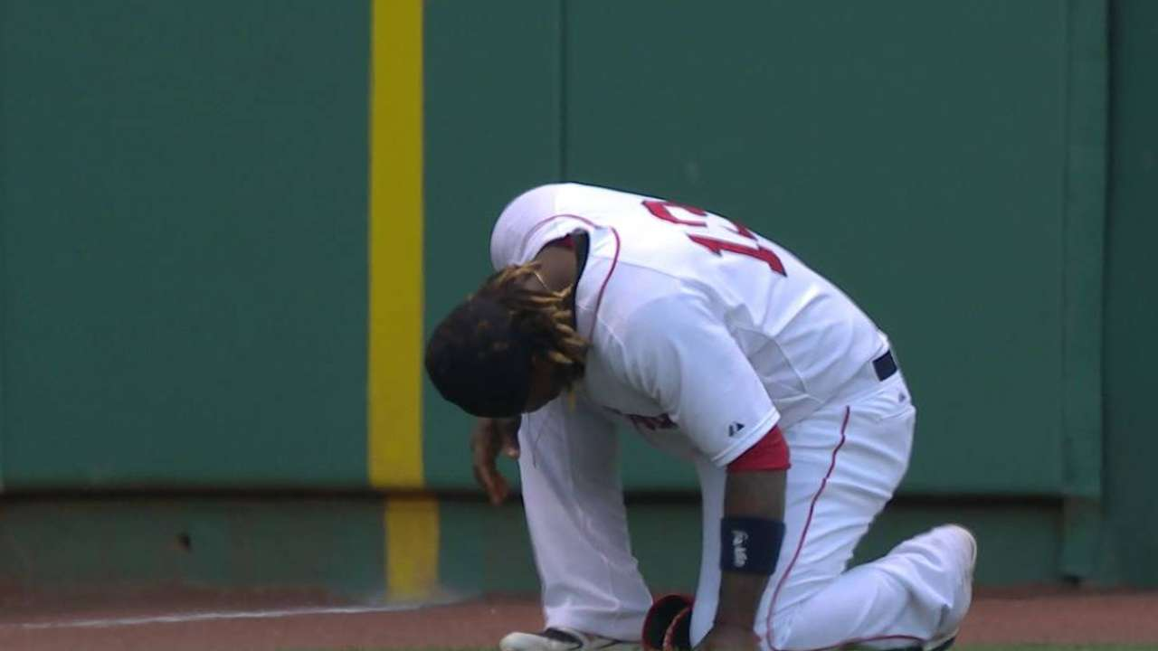 Hanley exits game vs. Rays with left shoulder sprain
