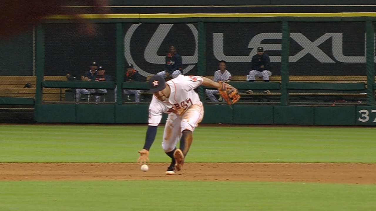 Altuve, Springer make eye-popping plays