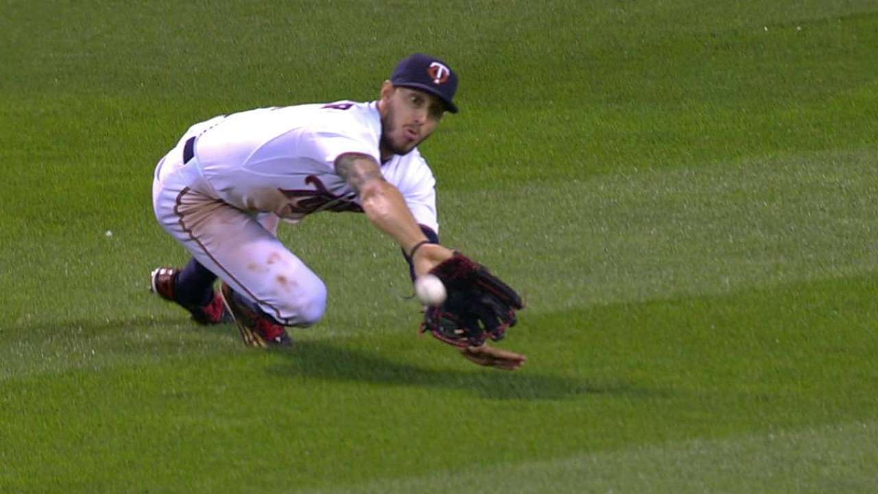 Schafer's great diving grab