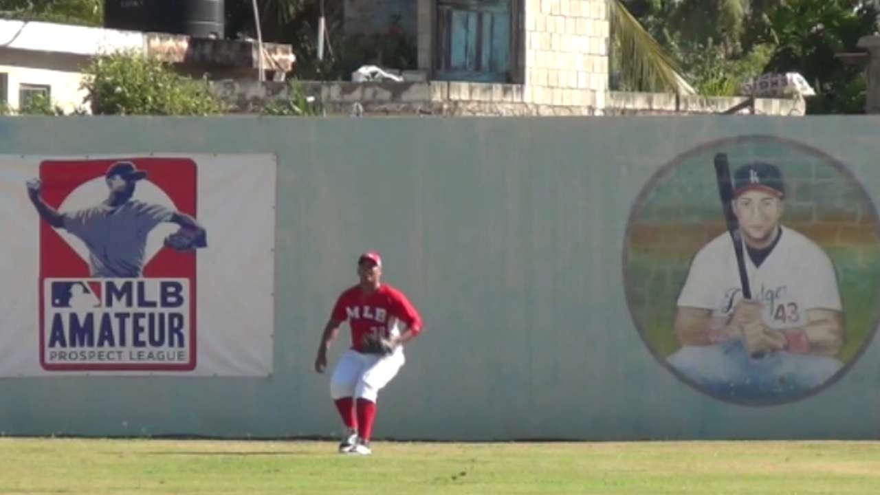 International market gains three Cuban players