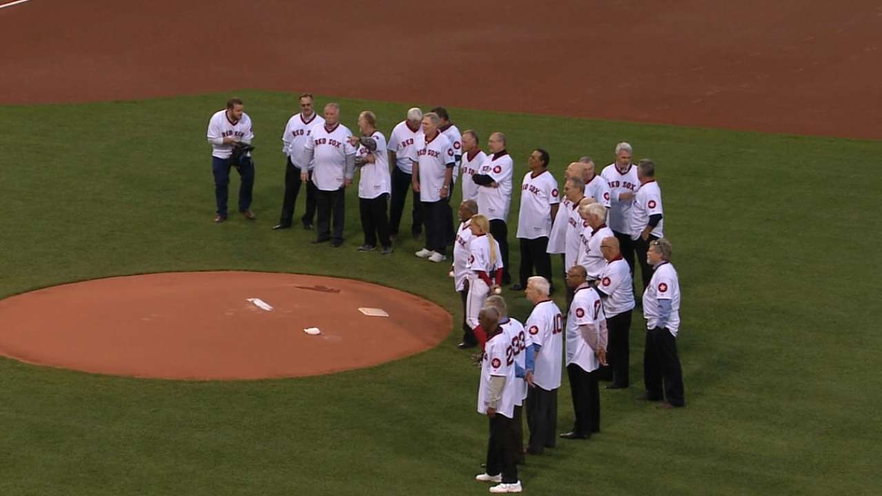 Red Sox honor 1975 team