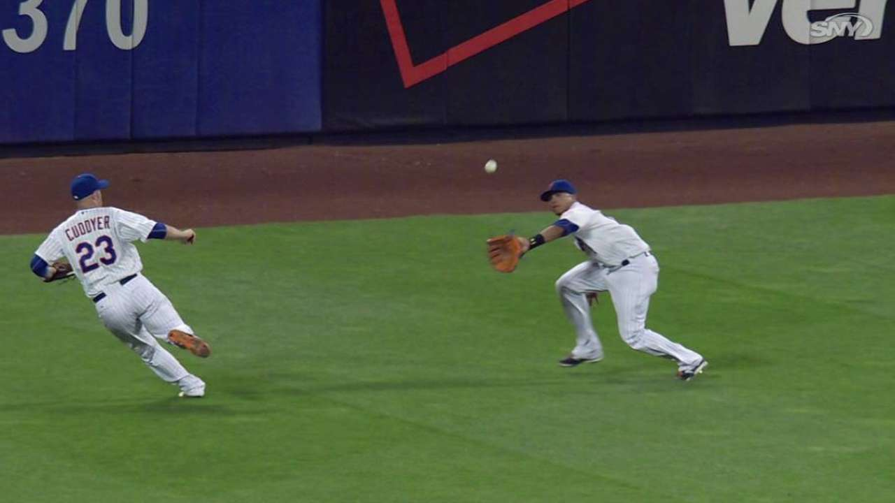 Lagares adds to highlight reel with snag
