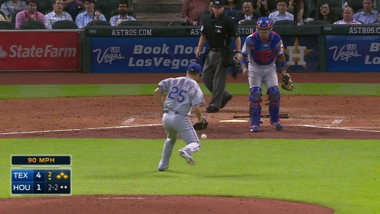 Rodriguez gets out of jam