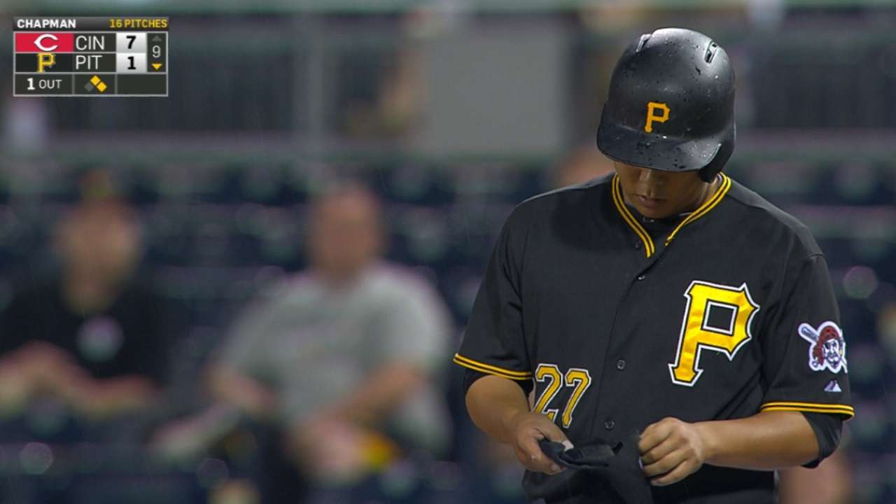 Kang works 9th-inning walk