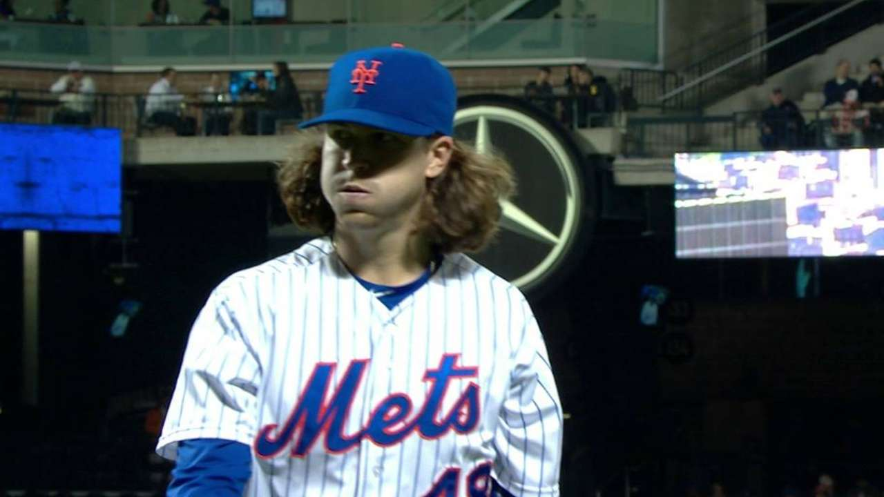 deGrom escapes jam
