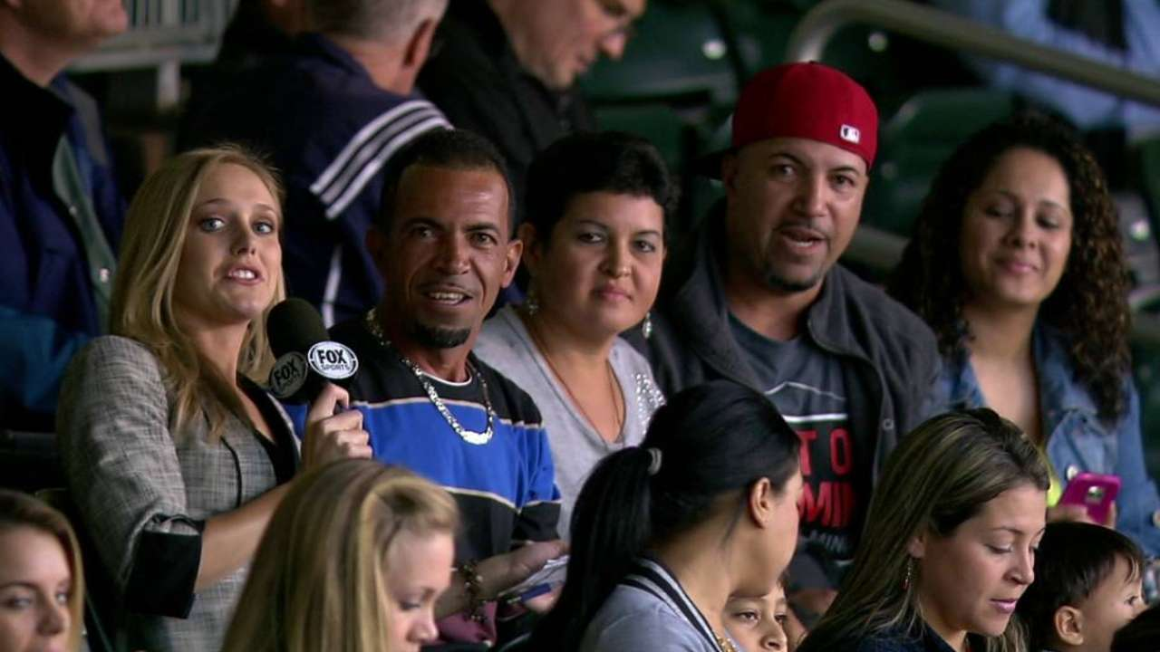 Rosario family on Eddie's homer