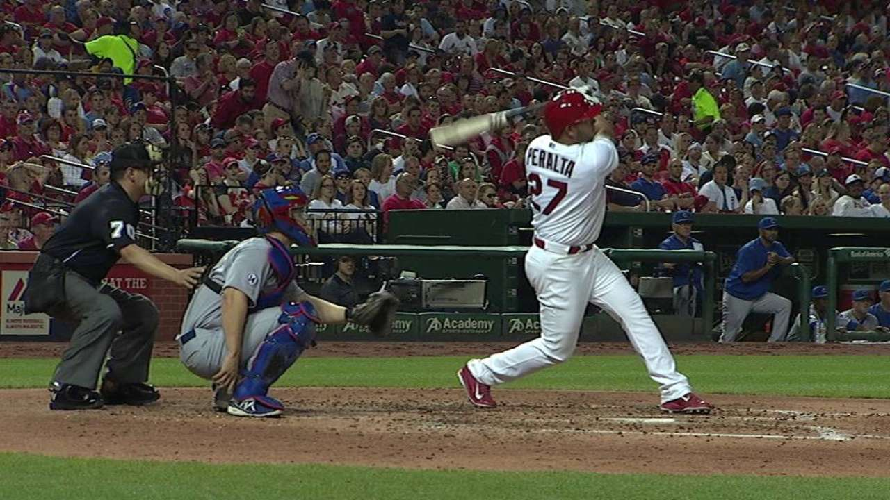 Peralta crushes a solo home run