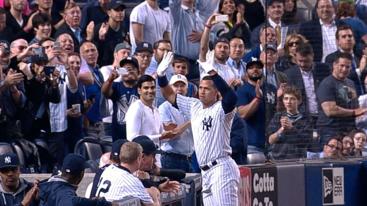 A-Rod passes Mays with 661st career homer
