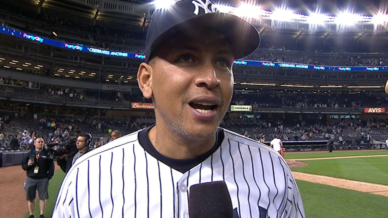 A-Rod reacts to passing Mays
