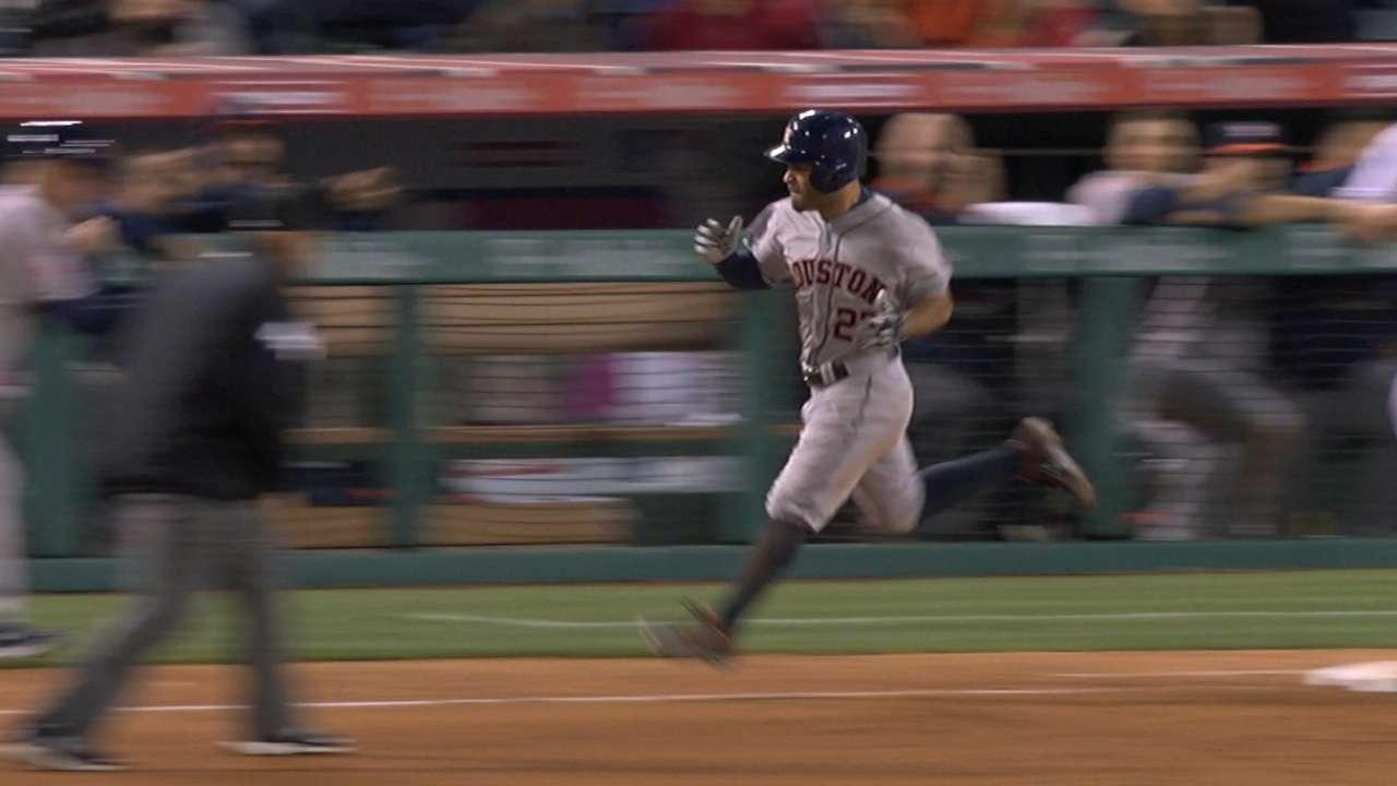 Astros rally vs. Angels to snap losing streak