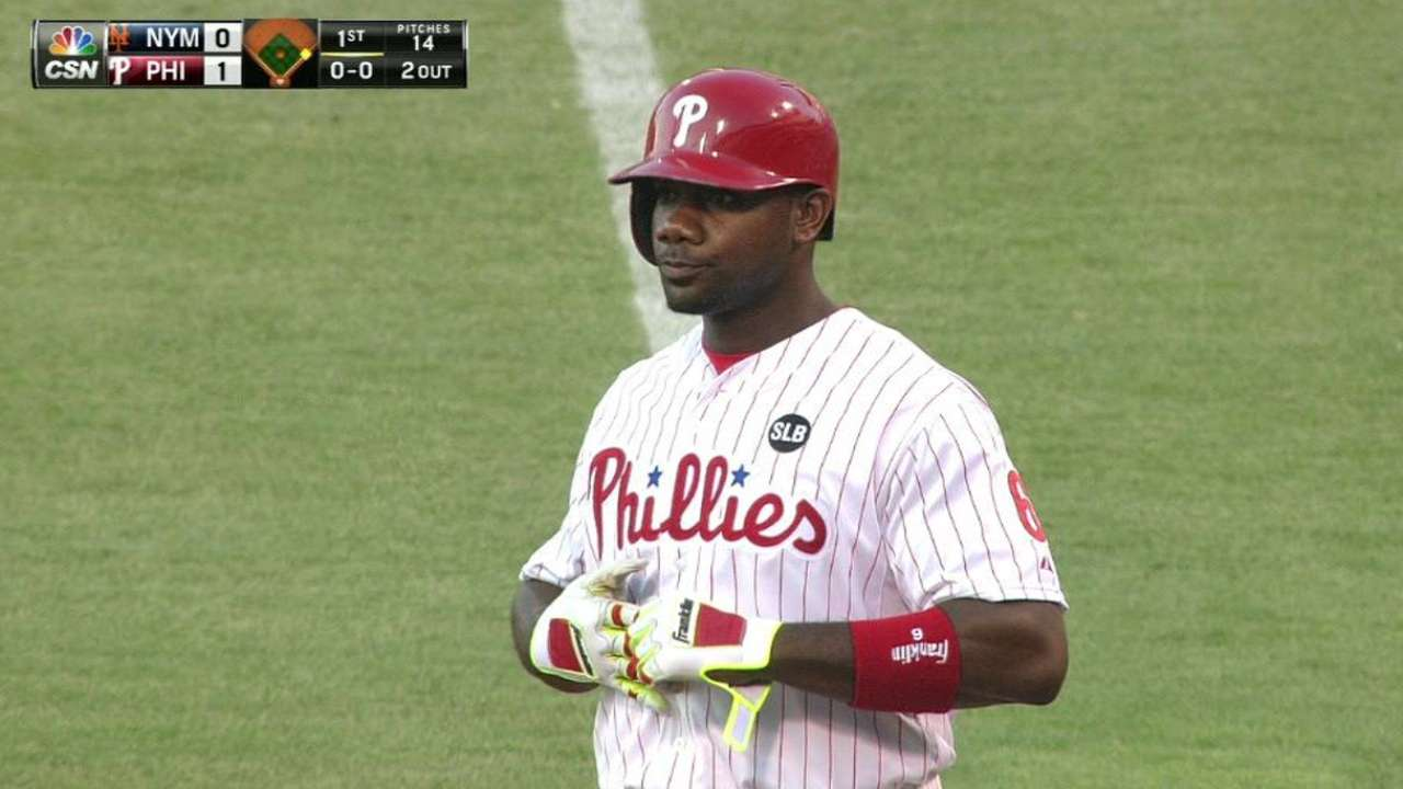 Howard breaks out, powers Phils to win
