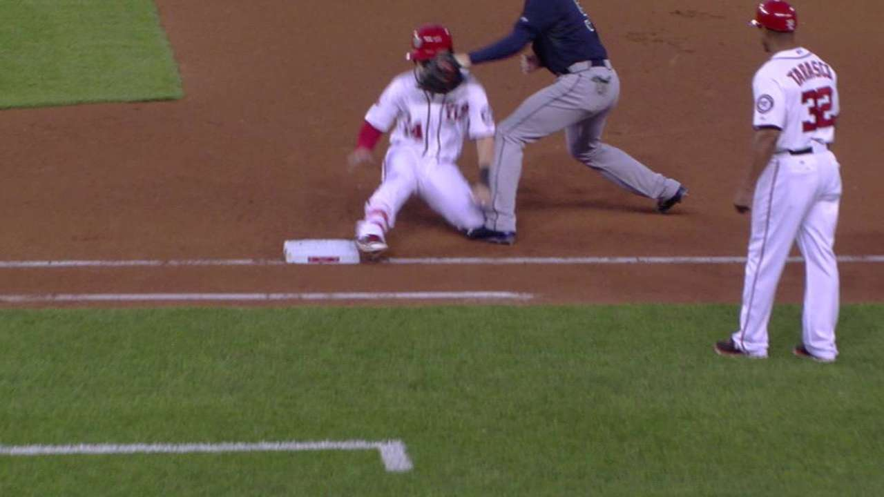 Simmons nabs Harper after single