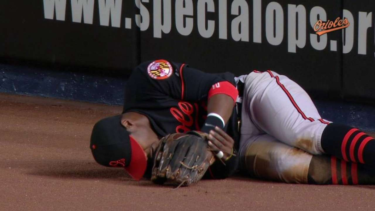 Jones shaken up on play