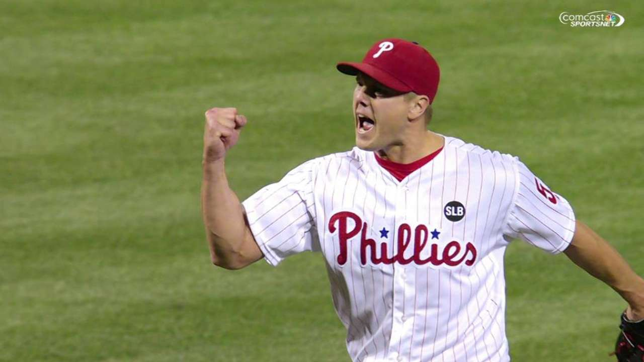 Papelbon ties Phils' record with 112 saves with team