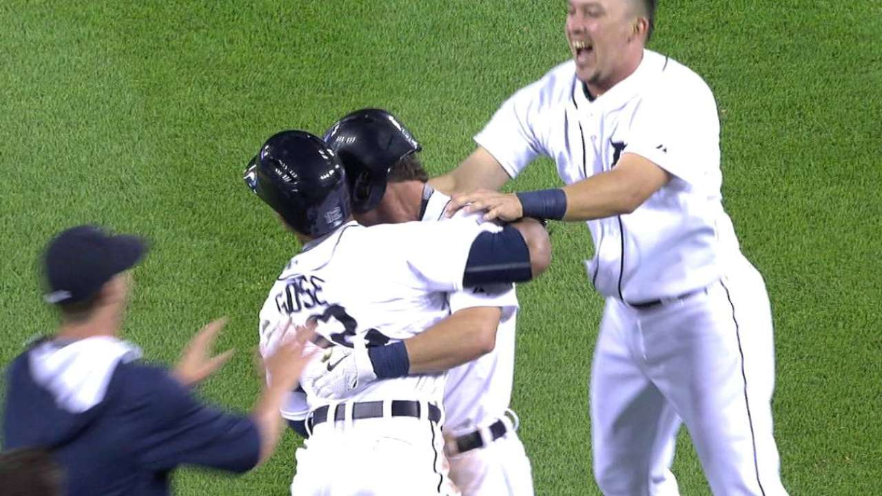 Tigers walk off on Royals' costly throwing error
