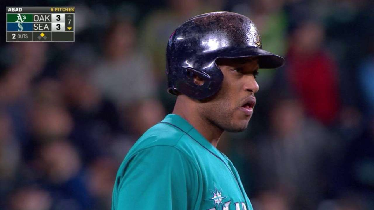 Cano shows signs of emerging from slump