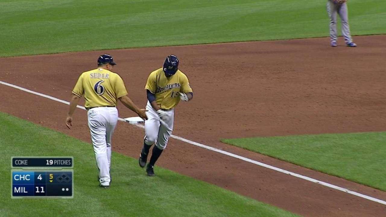 Rogers' pinch-hit three-run shot