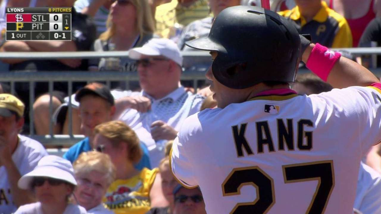 Kang lifts Bucs to Mother's Day win over Cards